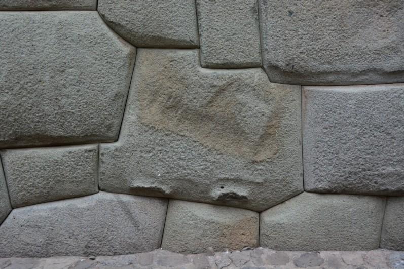 Stein mit 11 Ecken